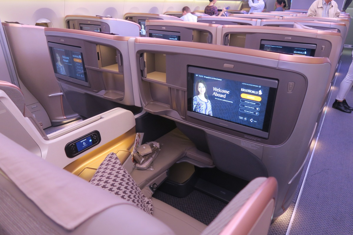 SINGAPORE AIRLINES Business Class // SIN > MAN